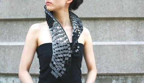 Yong Joo Kim - Collana in Velcro